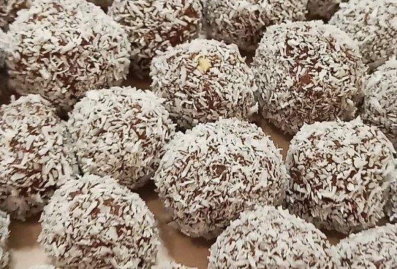 Bílé kokosové kuličky  -  nepečené