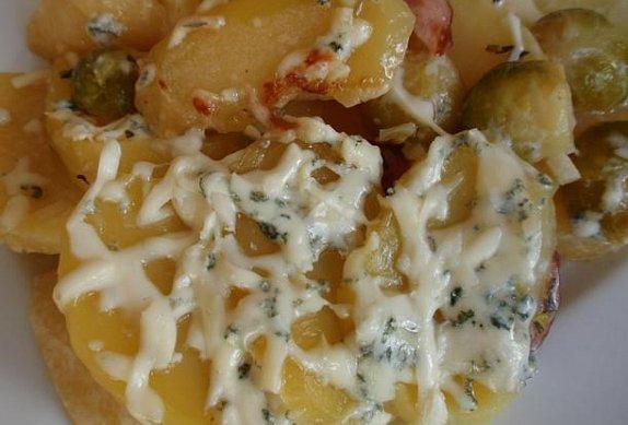 Gratinované brambory (nejen) s kapustou