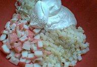 Krabí salát s nakládaným celerem