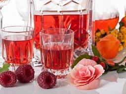 Růžový likér