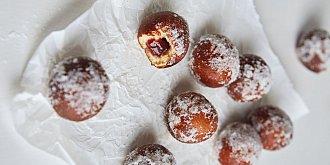 Mini koblížky s jahodovou marmeládou