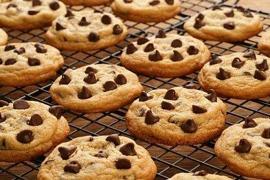 Sobotní moučníky z jednoho těsta: Bábovka, muffiny i sušenky