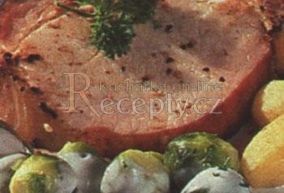 Uzené kotlety s růžičkovou kapustou photo-0