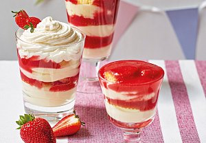 Trifle s jahodami