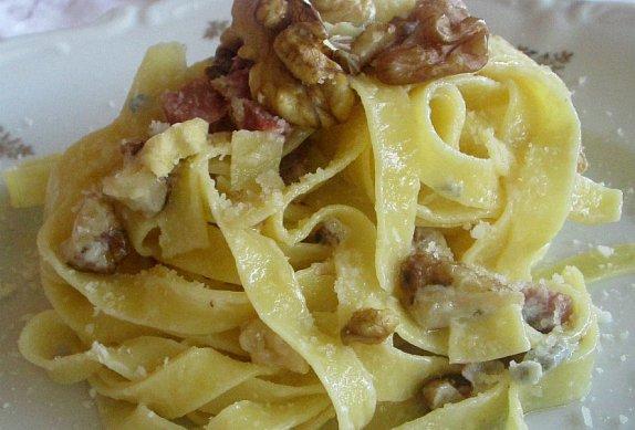 Fettuccine Con Speck E Gorgonzola