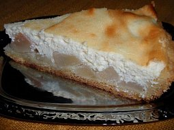 Jablečný (hruškový) koláč s mandlovým tvarohem