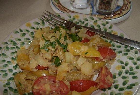 Červená čočka se zeleninou (salát) photo-0