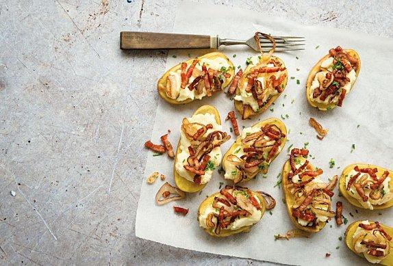 Pečené brambory s brynzou a slaninou photo-0