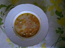 Mrkvová polévka s cizrnou a nivou