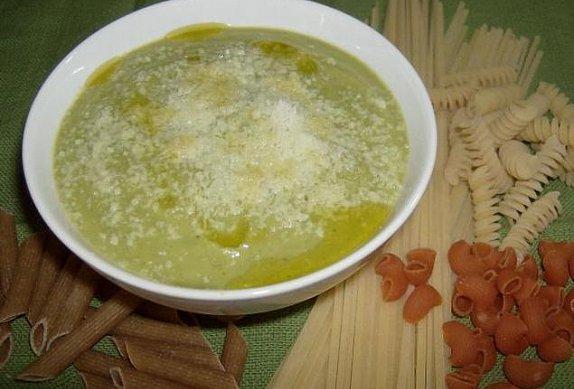 Rychlé těstoviny s cuketou
