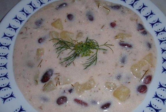 Bramborová polévka s fazolemi - jíšková
